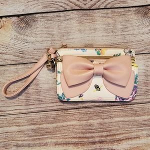 Betsey Johnson Bow Wristlet Pink/White